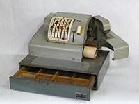 船越町で作られた金銭登録機